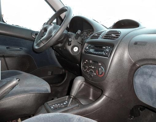 1999 Peugeot 206 1 4 Xt Automatic 5 Door Hatchback
