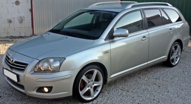 User images of toyota avensis combi t25.